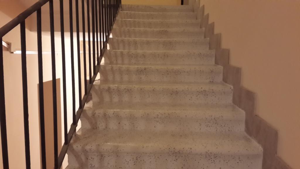 Как облагородить старую крашеную бетонную лестницу